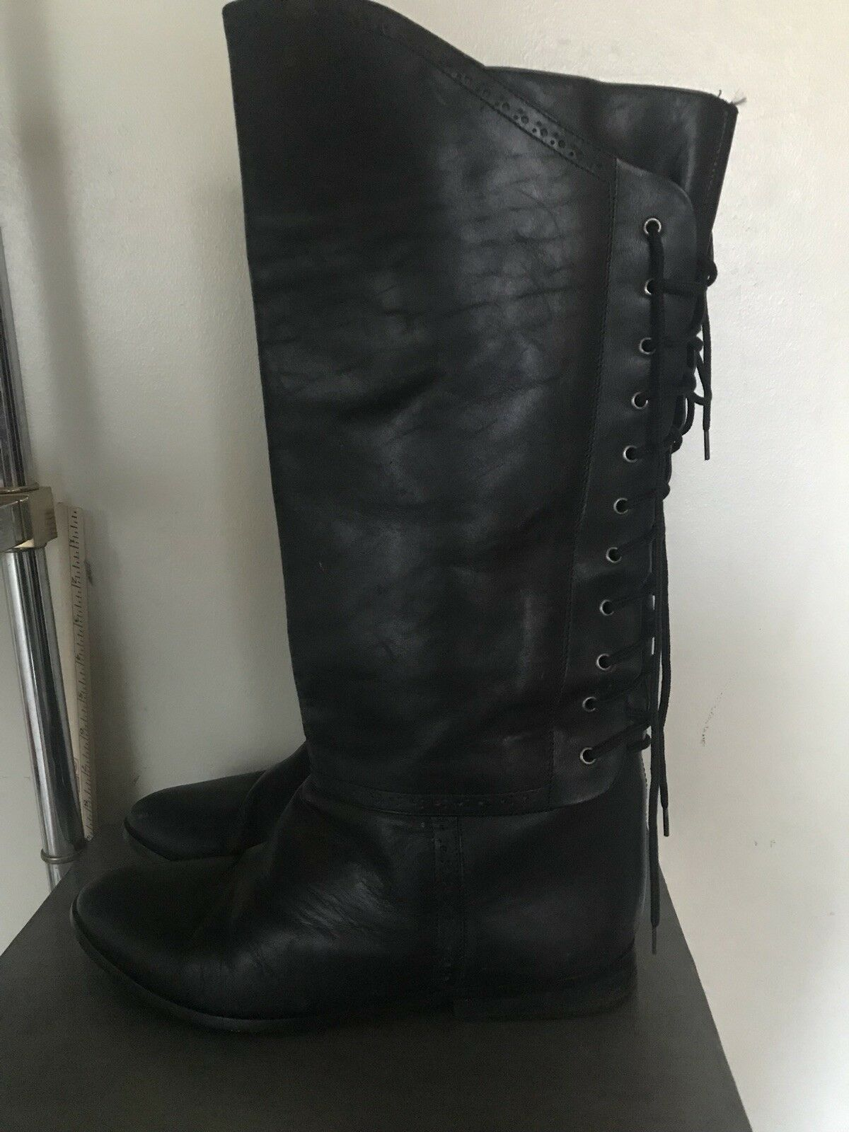 online economico VIA MILANO nero Leather Knee High High High Riding stivali Dimensione 11D Lace Up Back  sconto di vendita