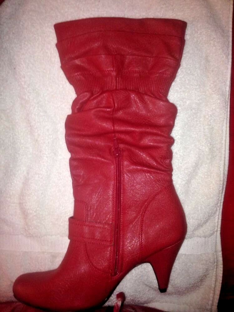 Journee Collection Red Faux Faux Faux Leather Boots Size 10 - Cosplay Costume 94bf77