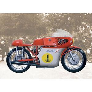ITALERI 4604 MV Agusta 500CC 3 Cilindri 1967 Motorcycle Kit 1:9 Scale 554604