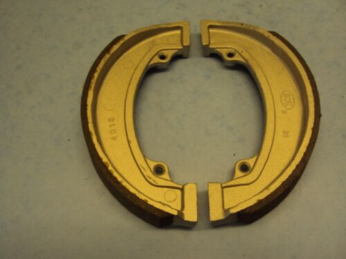 "TRIUMPH BSA REAR BRAKE SHOES  7/"" CONICAL HUB 37-3925//6  A65 ROCKET 3 T120 T140"