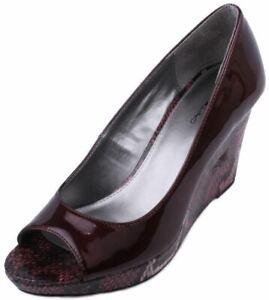 Bandolino-Auburn-Womens-Wine-Snake-Print-Platform-Wedge-Heel-Pumps