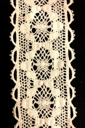 Lace Trim  4.5 cm wide Crochet Cotton Ribbon Vintage Snow White per meter