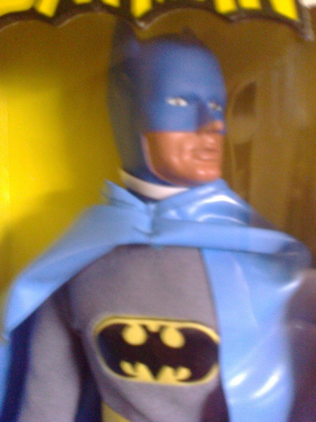 Mego Batman-Figure-12-Inches-Tall-1976 new in opened the box never opened in unplayed with df2040