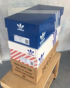 analizirati epizoda siromašan adidas sneaker box
