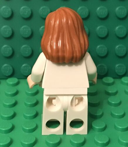 Lego Female Doctor Nurse W// Light Flesh Hand,Head With Dual Smile//Angry Pattern