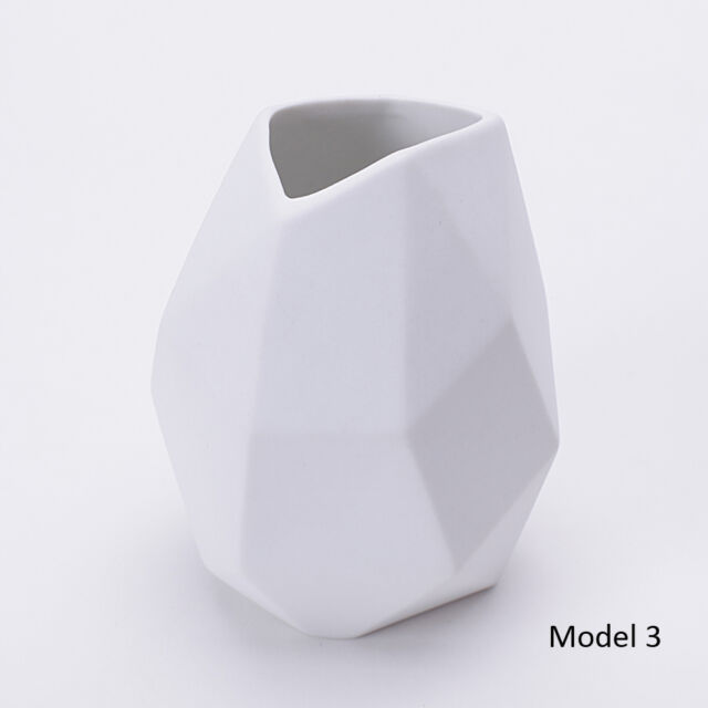 White Porcelain Vase Table Top Matte Ceramic Vase Home Decoration