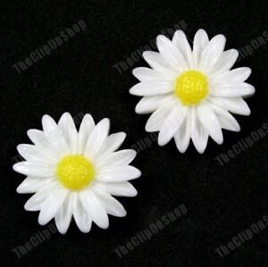 CLIP-ON-big-RETRO-DAISY-FLOWER-round-EARRINGS-white-yellow-DAISIES-comfy-clips