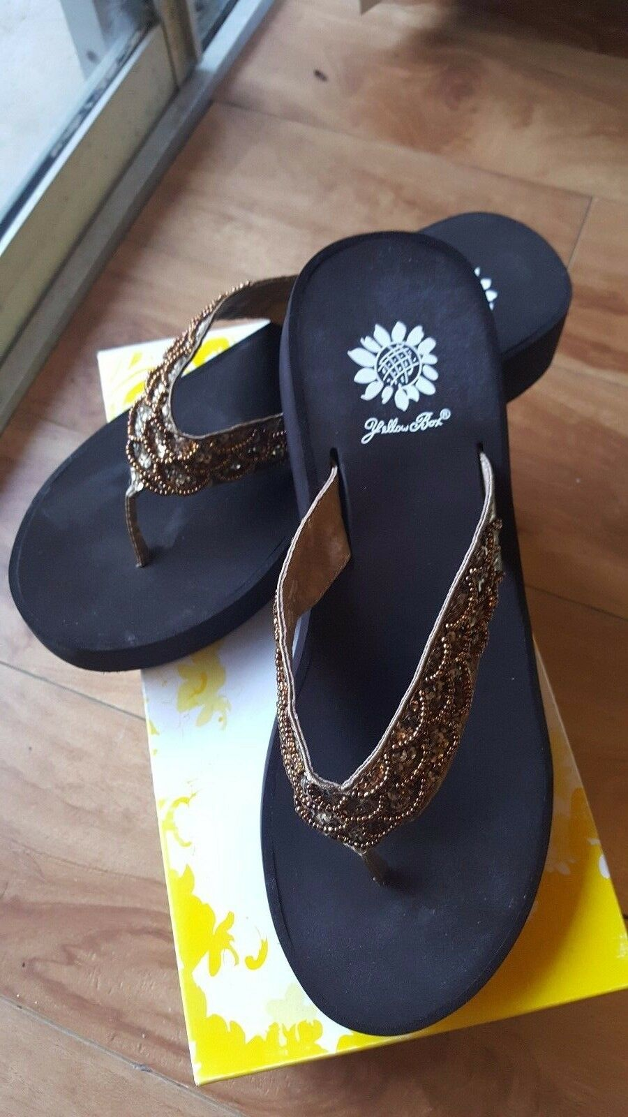 NIB Yellow Box Fleur Brown Women's Sandals