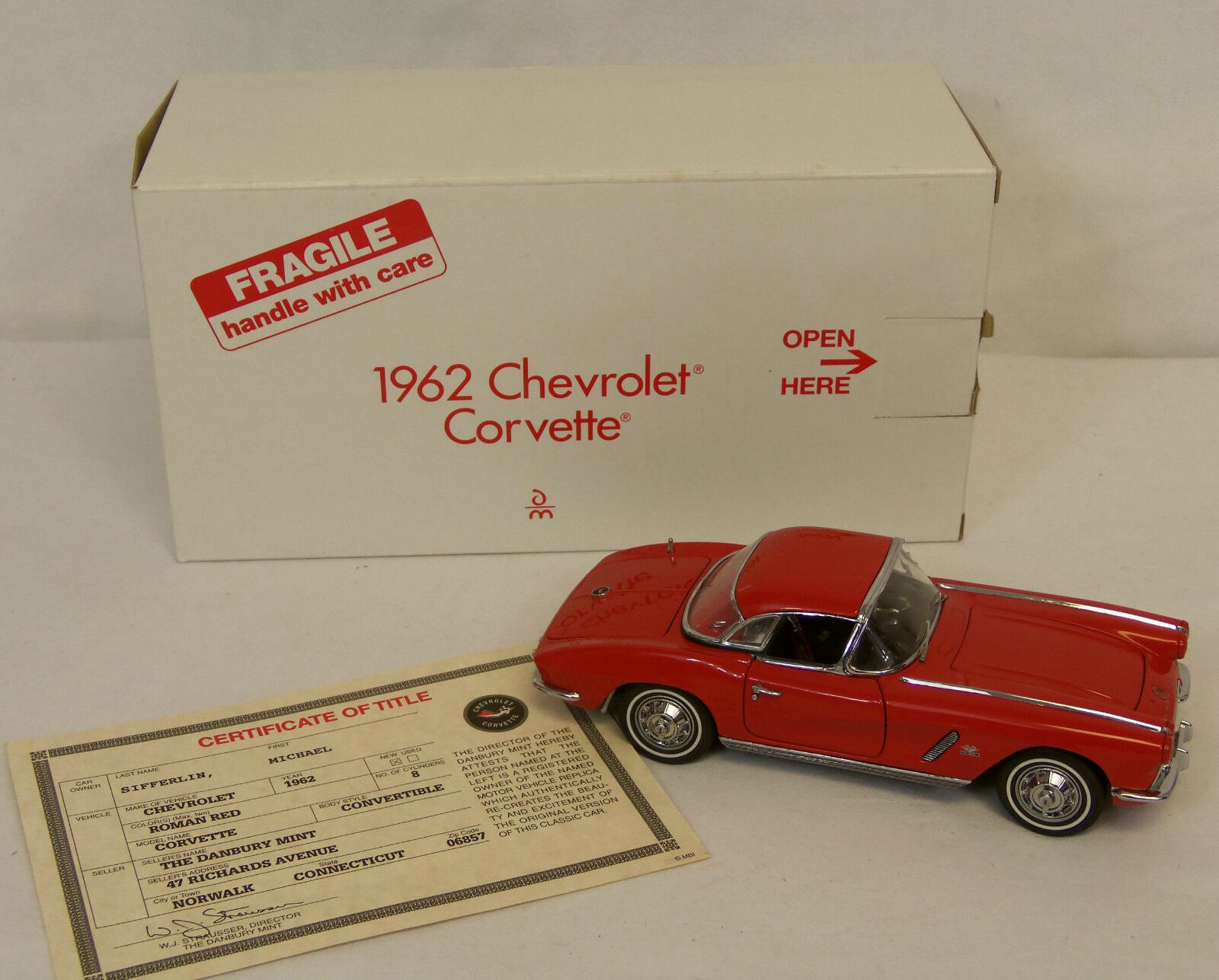 Danbury Mint 1962 Chevrolet CORVETTE Roman Red CONgreenIBLE 1 24 Diecast Car NEW