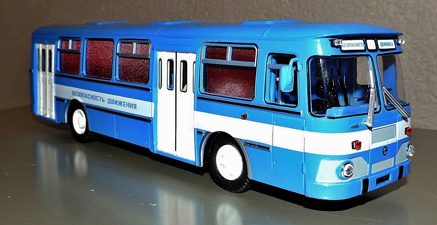 NEU Modell russischer Bus LIAZ-677M  Verkehrssicherheit  blau 1 43, USSR in OVP    Gute Qualität