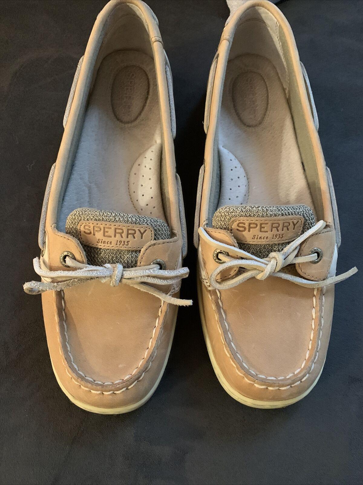 Womens Size 10M Sperry Shoes. Worn Once. Great Condition.