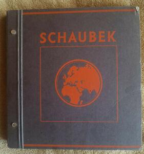 Briefmarken Album mit Marken aus aller Welt von ca. 1880-1950.