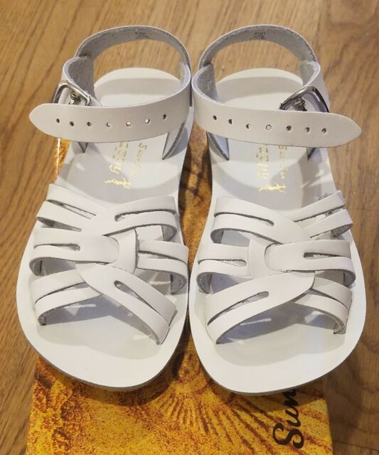 3 YOUTH WHITE SWEETHEARTS SALTWATER BOUTIQUE SUN SAN SANDALS SIZE 5T