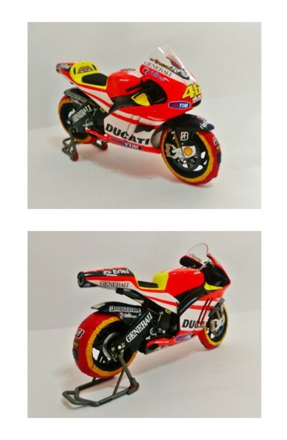 1:12 Minichamps Valentino Rossi Ducati 2011 + Tyre Warmers Set VERY RARE NEW