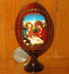CHRISTMAS-Wood-NATIVITY-Egg-Icon-Genuine-Russian-Virgin-Mary-Joseph-BABY-JESUS