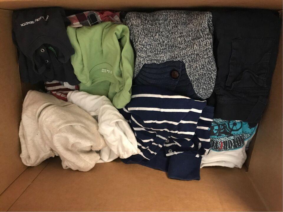 Blandet tøj, 1 stor flytte kasse med 50 stk drengetøj