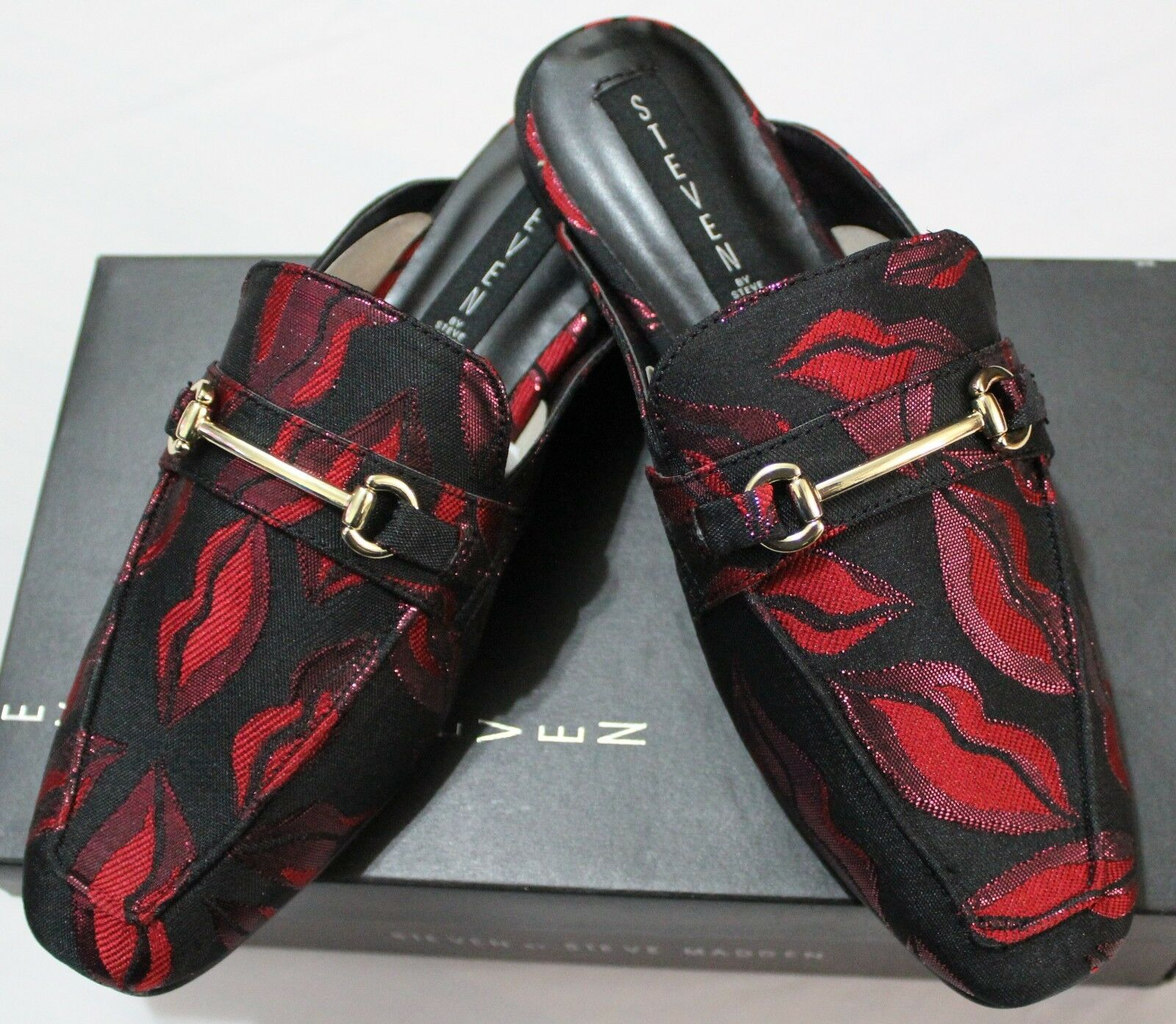 99 STEVEN BY STEVE MADDEN RILEE BLACK RED SLIP ON MULE