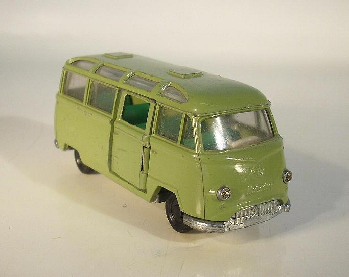 SIKU V 220 Tempo Matador Bus vert avec tôle Schanier à la porte  104