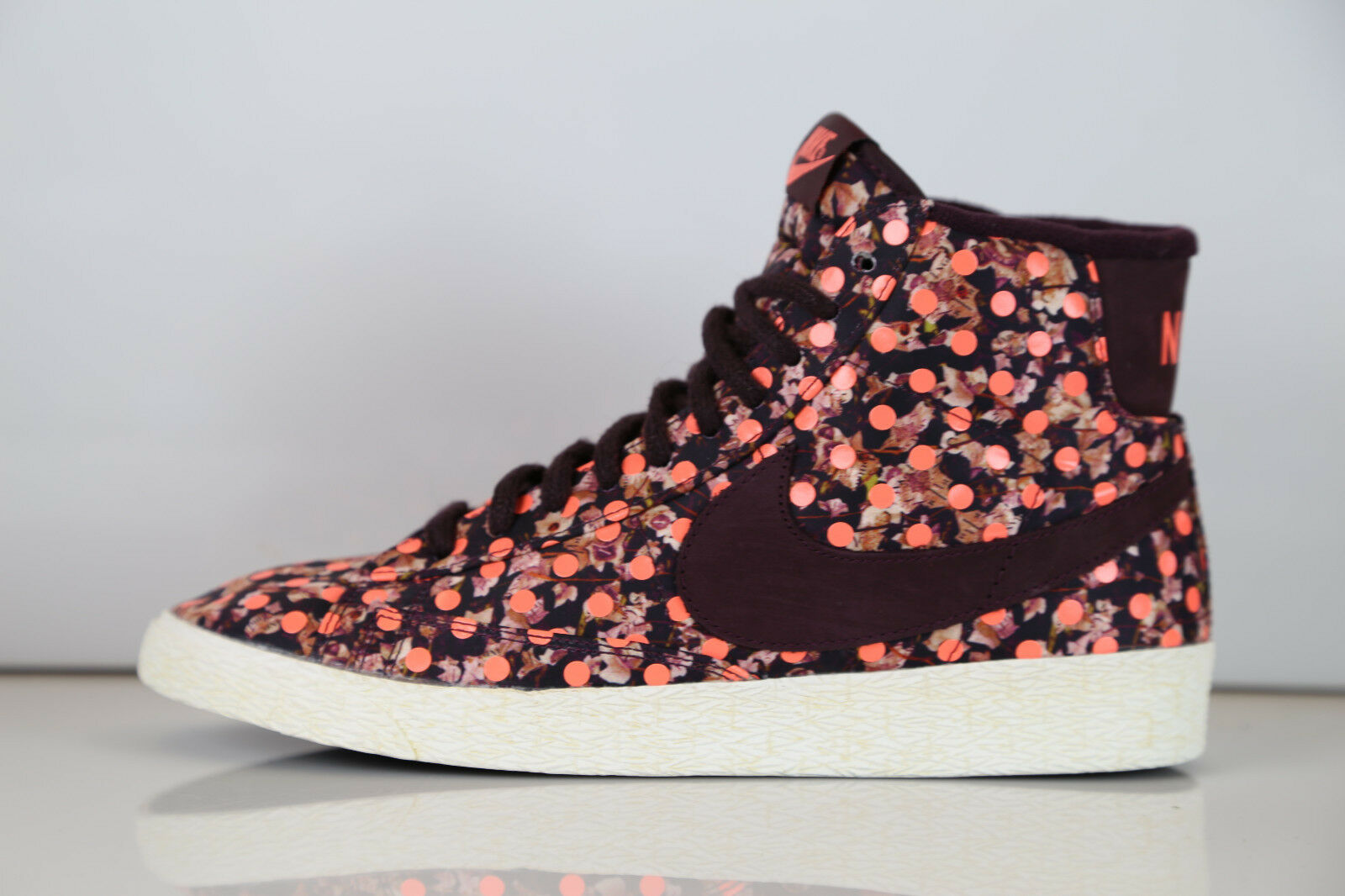 Nike Womens Blazer X Liberty of London LIB VNTG Mid QS 529037-600 6-8 supreme