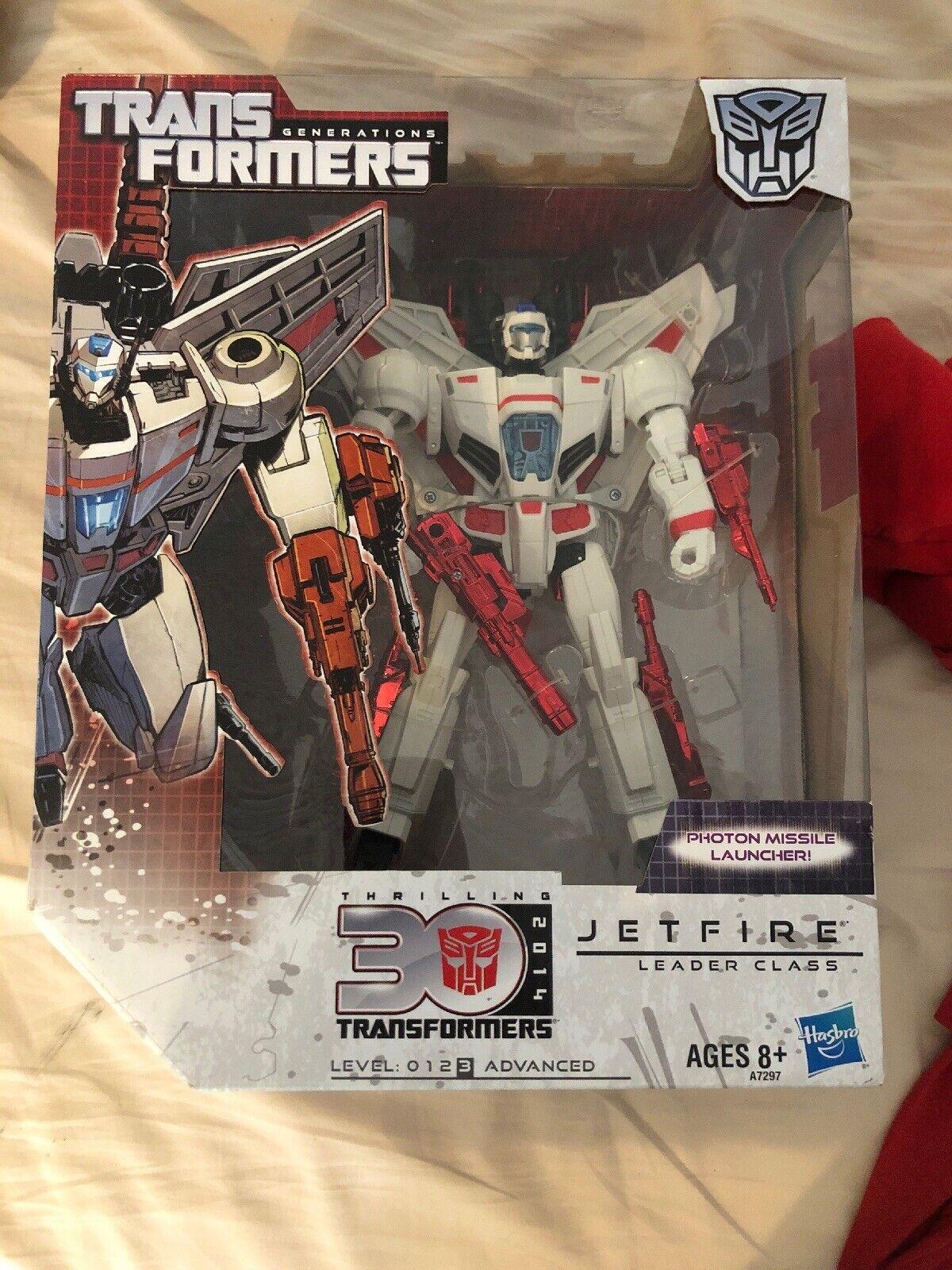 Hasbro Transformers  Generations Thrilling 30 Leader classee Jetfire MIB Sealed  negozio di sconto