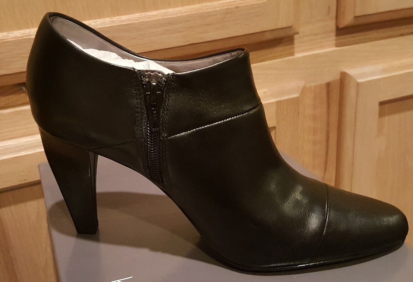 Kristin Davis Cally Black Leather Ally pieced Shootie Bootie shoes -  109