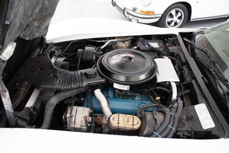 Chevrolet Corvette V8 Stingray - 9