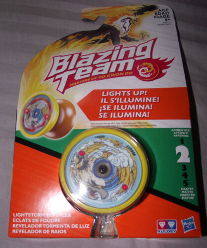 NEW Hasbro Blazing Team Masters of Yo Kwon Do Yo-Yo Lightstorm Revealer Eagle
