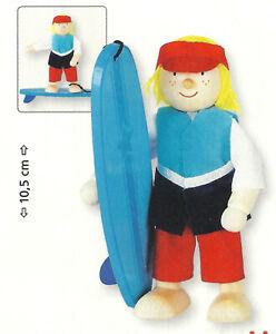 Goki-51628-Biegepuppe-Surfer-fuer-Puppenhaus-Holz