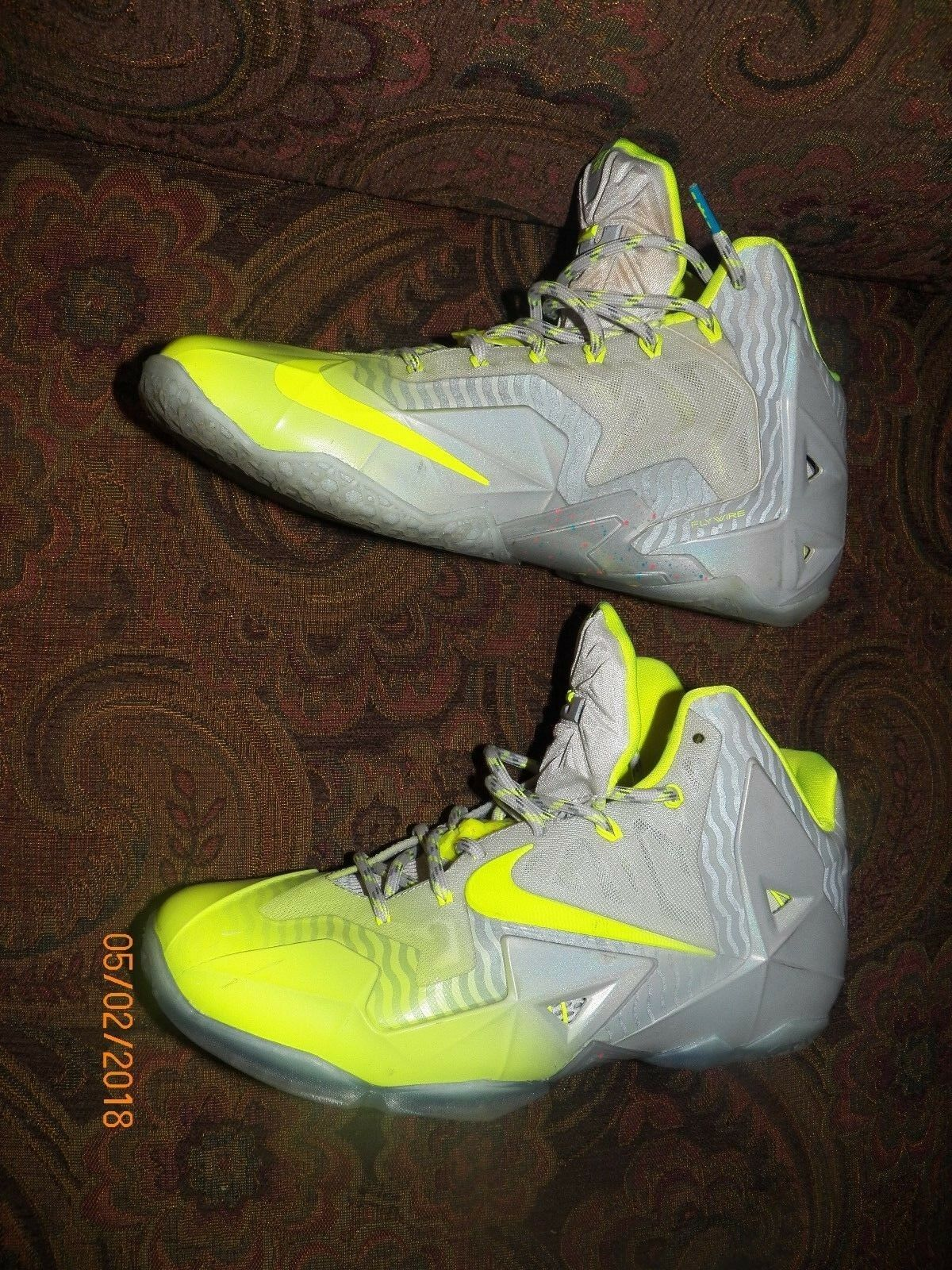 NIKE LEBRON XI 11 COLLECTION MAISON DU METALLIC LUSTER-VOLT SIZE 10 Price reduction Wild casual shoes