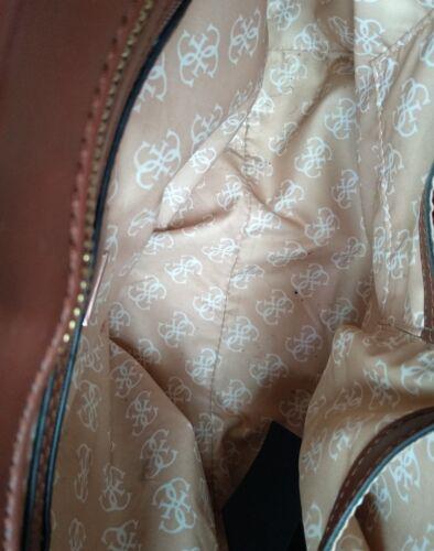 Sac Guess main Marque Minimes Brown Signes ᄄᄂ Usᄄᆭ en cuir faux Original n0XwPO8k