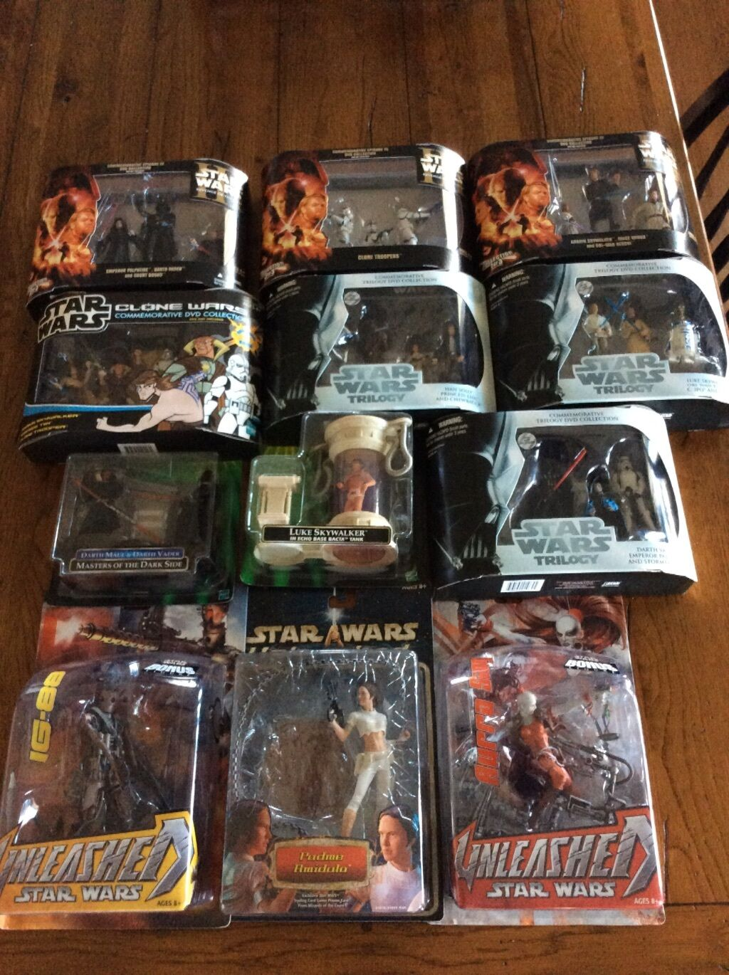 Star Wars figures lot deluxe and unleashed