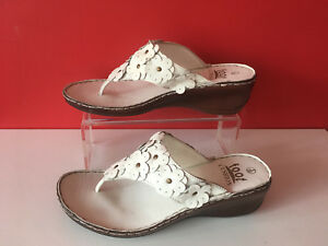 0c9859632f30 FOOT CUSHION White Leather Wedge Slip On Mules Sandals Flip Flops UK ...