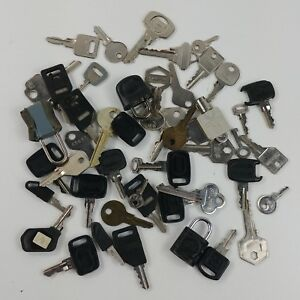 dc Lot of Misc Keys Luggage Locks Junk Drawer Clean Out Crafting Project