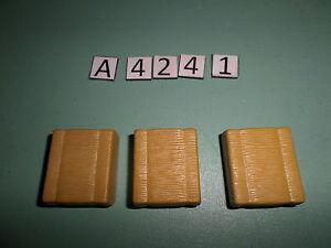 a424-1-playmobil-3-petites-bottes-de-paille-beige-3072-3716-4490
