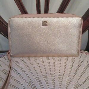 Nanette-Lepore-Rose-Gold-Wristlet-Wallet-Credit-Card-Holder-Excellent-Condition