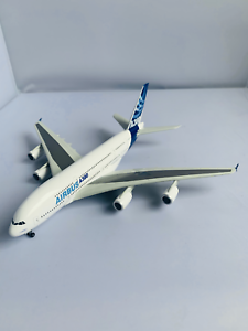 Airbus-Industrie-A380-Premier-Collection-Dragon-Wings-55823-Diecast-1-400-NEU