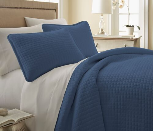 Lightweight Oversized Square Stitched Embroidered 3-Piece Quilt Set