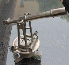 ancien théodolite (  lunette de géomètre niveau  )