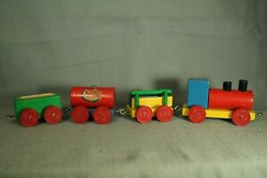 Vintage-Small-Wooden-wood-toy-railroad-Train-set-Esso-tanker-cars