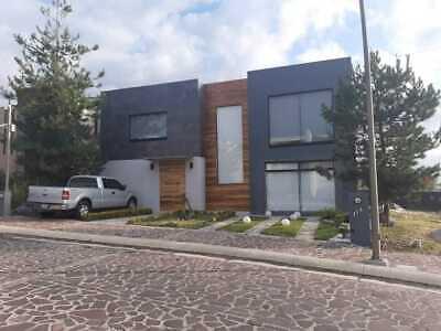 Residencia amueblada y equipada en fraccionamiento La Campiña, frente a Pabellón, cerca de...