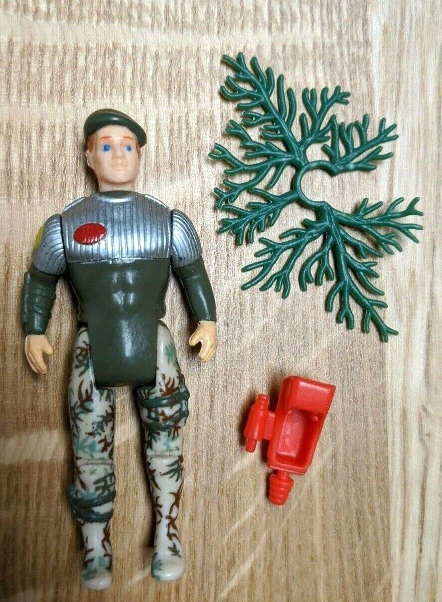 Dino Riders Commando figure  Kameelian w  pistol and camouflage accessory RARE