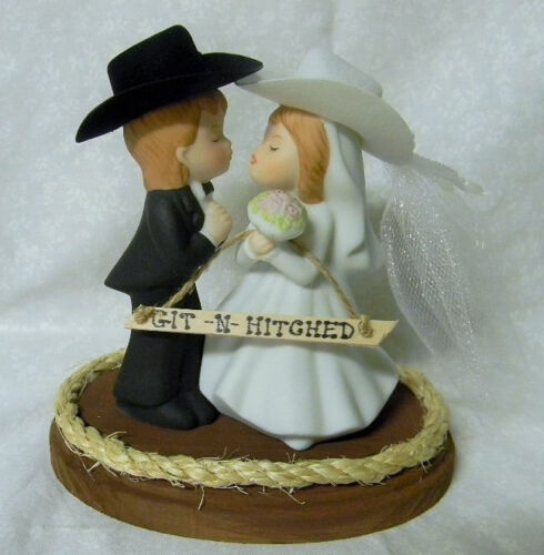 Western Wedding  ~Cowboy /& Cowgirl~ Veil Hat  Heart  Cake Topper Kissing Couple
