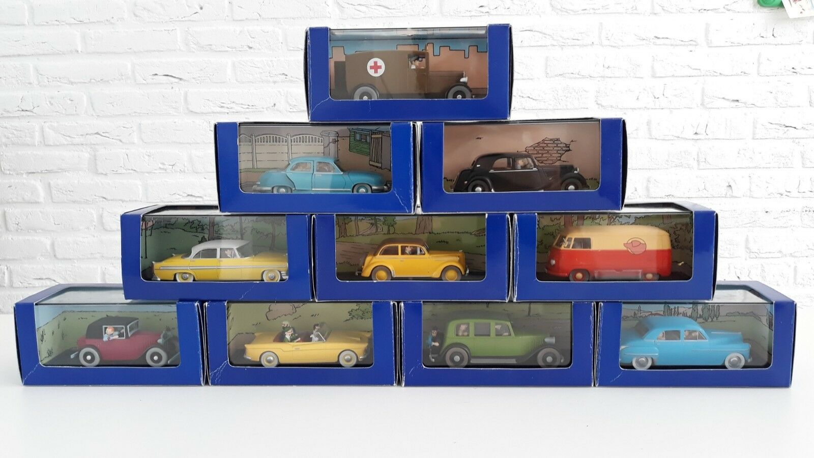 Tintin Atlas car collection 71 boxes with Metal cars + figures scale 1 43 Kuifje