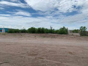 Se Vende Terreno grande en Esquina Centenario