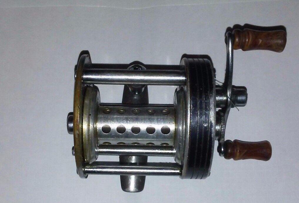 VINTAGE LANGLEY STREAMLITE MODEL 310 KC REEL