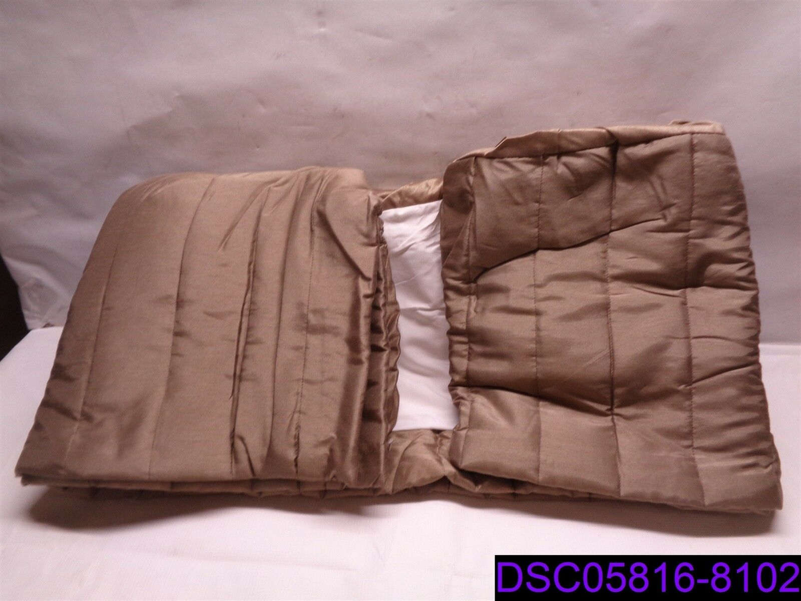 Qty = 6  Crown Bed Skirt in Stone Dimensione Full 54  x 80  x 15  P N 0025072