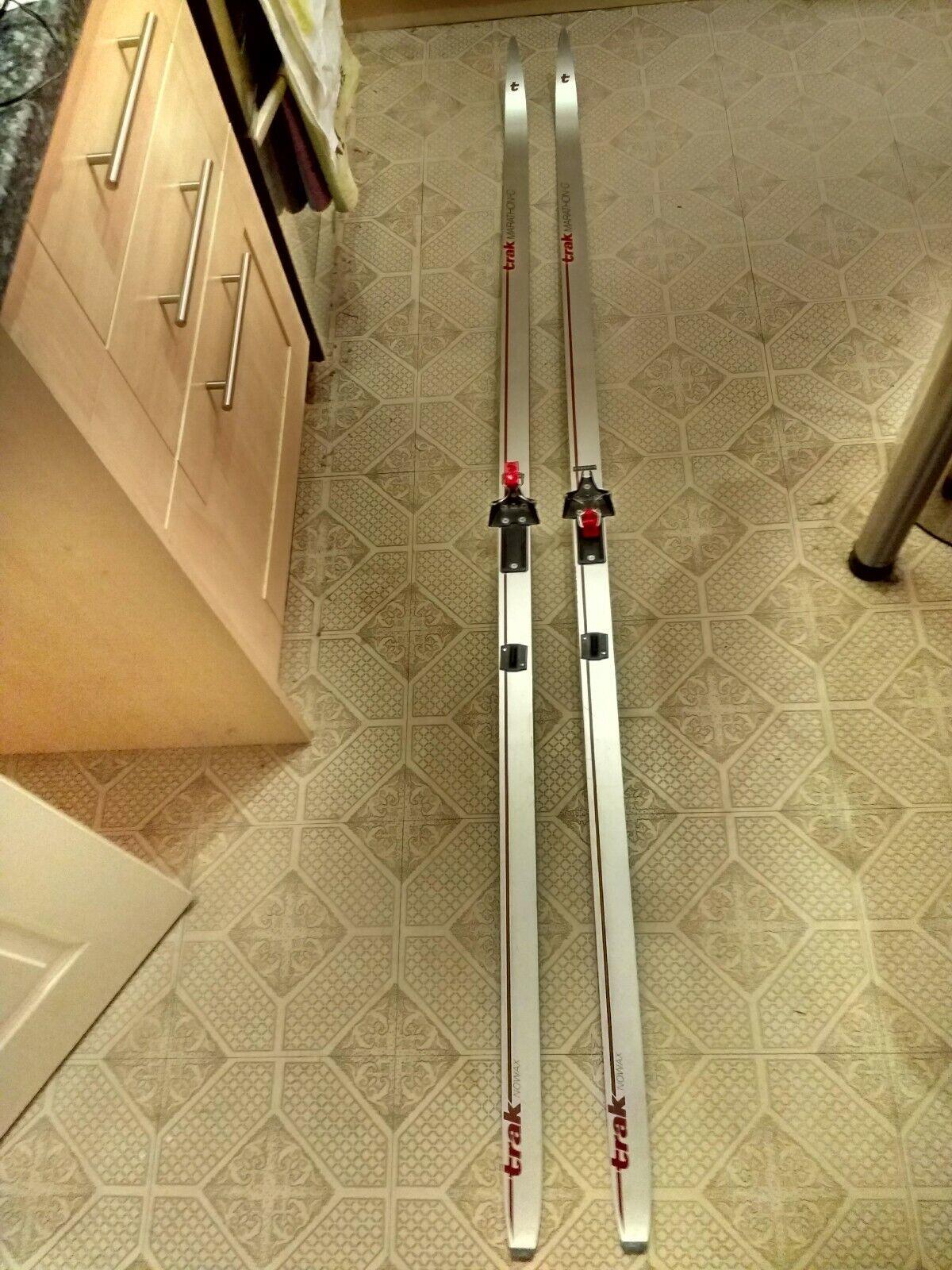 Trax NoWax Marathon-C cross country ski's, poles & bindings
