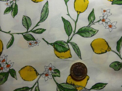 flores blancas en blanco o azul marino FQ Algodón Popelín con limones follaje verde