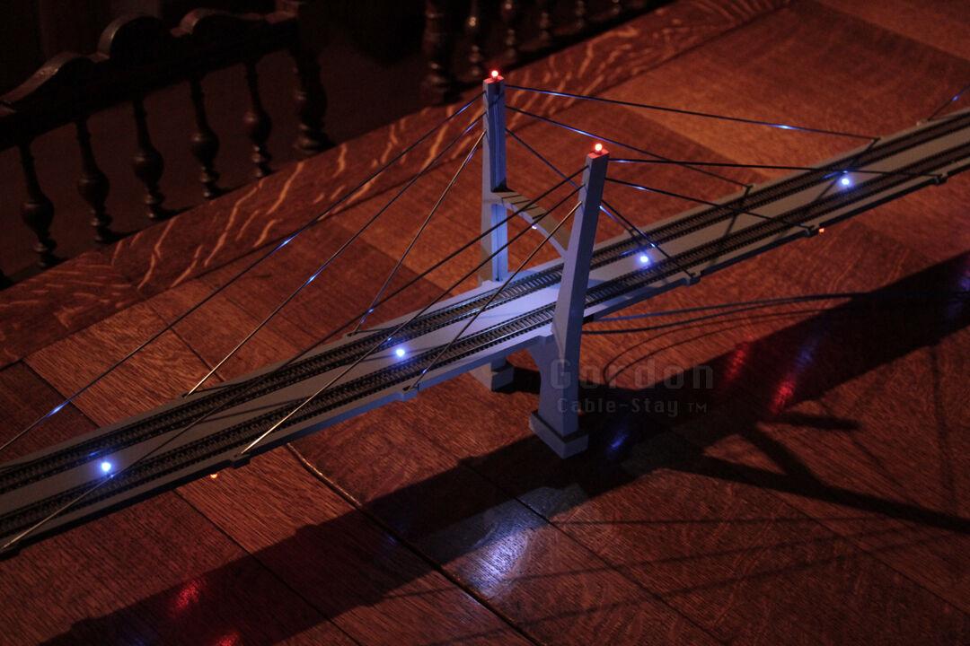 promociones Escala N 30 cablestay cablestay cablestay Puente Colgante, montado, 11 Leds-Atlas, PECO, Kato  orden ahora disfrutar de gran descuento