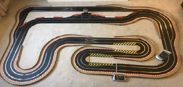 Scalextric Digital Layout with New 6 Car Power Base   Pit Lane & Game & 6 Cars